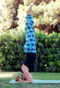 head stand yoga pose